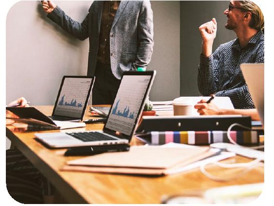 accountant-branding-design-team-briefing-meeting