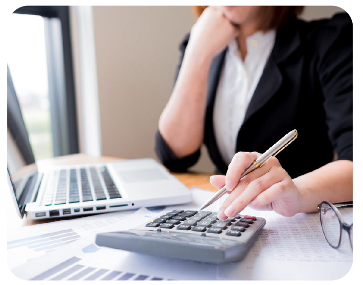 accounting-&-bookkeeping-payroll--calculator-business-woman-at-desk